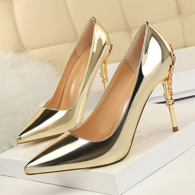 High Heels Pumps Fashion Shoes Woman Pointed Toe 10 Cm Thin Heel Party Sexy  Women Wedding Bridal Shoes Metal Decoration DS-A0119 d5ff4702fae3