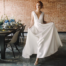 Simple V-neck Beach Wedding Dress Backless Vestido De Novia Sweep Train Backless White Ivory Satin Bridal Dresses Summer Wedding