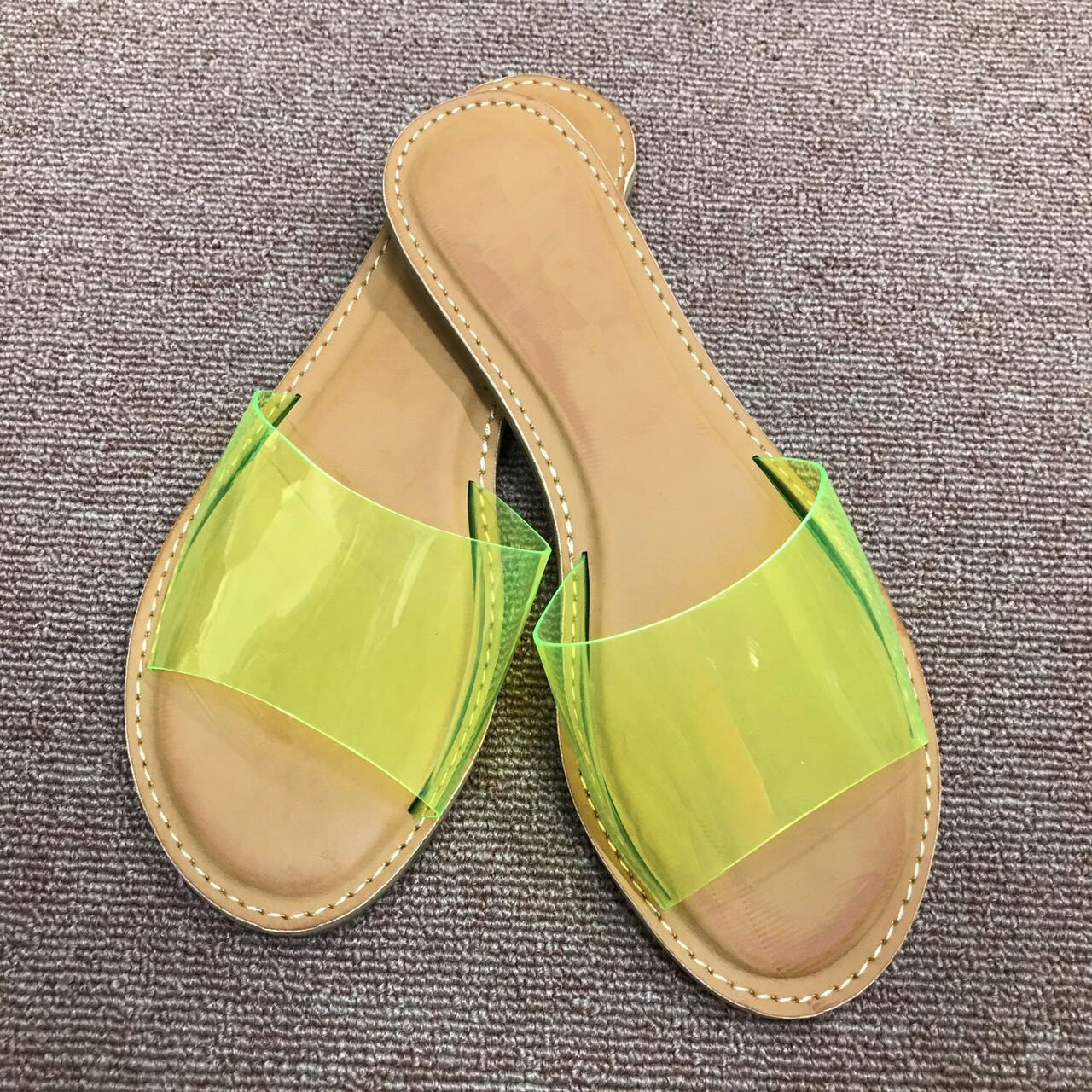 Detail Feedback Questions about Women Sandals 2019 Summer New Fashion  Slippers Comfortable Peep Toe Flat Shoes Women Beach Shoes Candy Color Womens  Shoes on ... 60fb5244c371