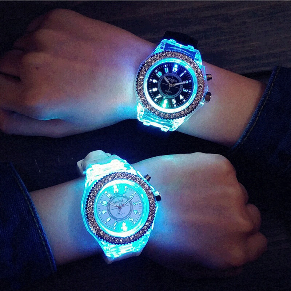 New Flash Luminous LED Watch Personality Trends Students Lovers Woman Men Quartz Analog Watches 5 color Light WristWatch