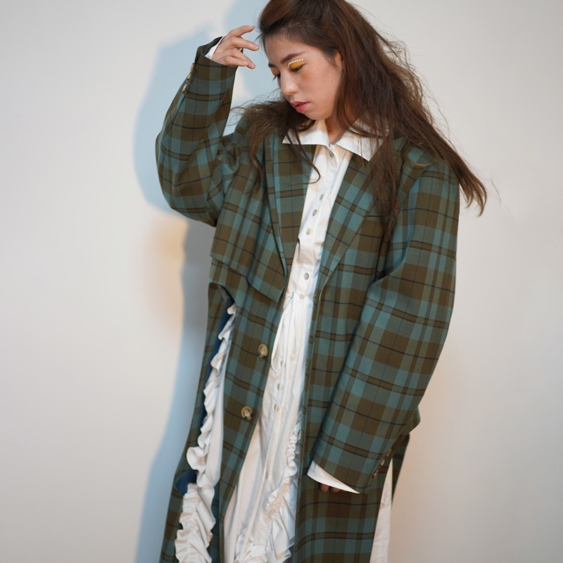 [EAM] 2019 New Spring Winter Lapel Long Sleeve Green Plaid Printed Hollow Out Big Size Windbreaker Women Trench Fashion JO178-in Trench from Women's Clothing    3