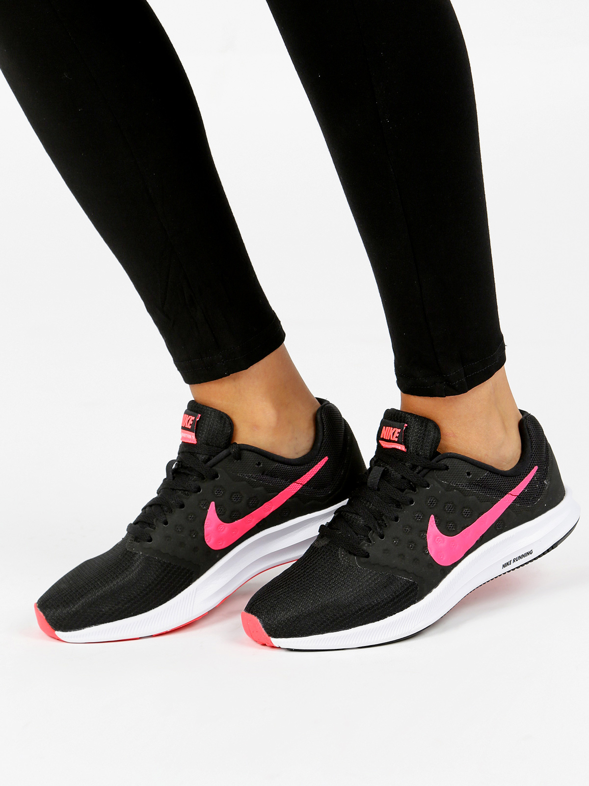 Fabric Nike sports sneakers-in Fitness & Cross-training