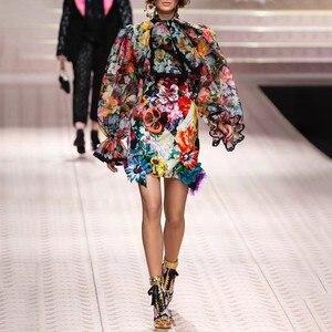 Image 2 - TWOTWINSTYLE 여성 셔츠 블라우스 Bowknot 플레어 긴 소매 패치 워크 레이스 인쇄 탑 여성 우아한 패션 2020 봄 새로운