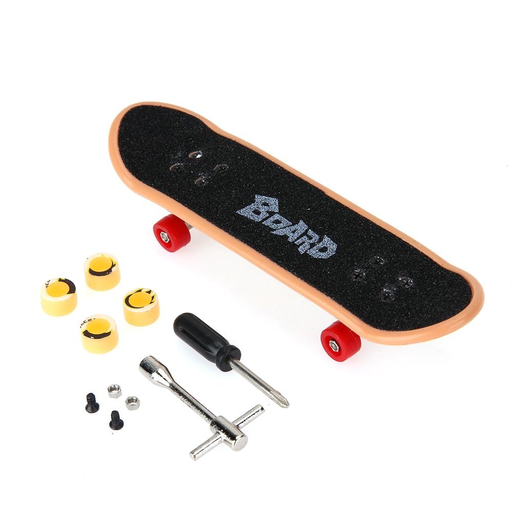 Plastic Mini Finger Skating Board Table Game Toy Kids Alloy Skateboard Children Finger Skateboarding Fingerboard Scooter Skate