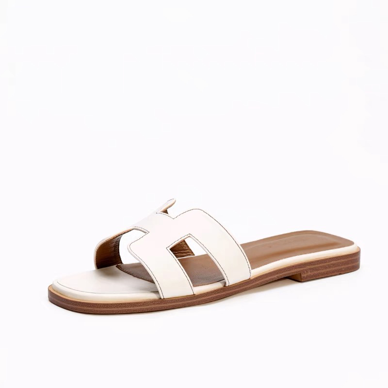 2019 New Luxury Brand New Slippers Cut Out Summer Beach Sandals Slippers Indoor Slip Sliding Fashion Women Flip Flops2019 New Luxury Brand New Slippers Cut Out Summer Beach Sandals Slippers Indoor Slip Sliding Fashion Women Flip Flops