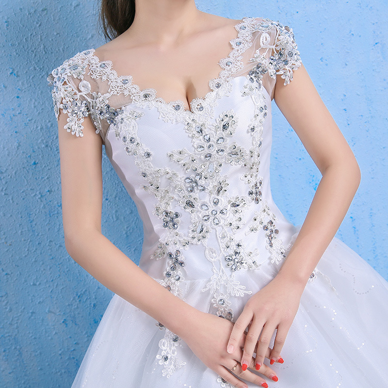 Luxury Plus Size Wedding Dress Elegant Lace Appliques V-neck Beading Wedding Gowns 2020 Crystal Lace Up White Vestido De Noiva
