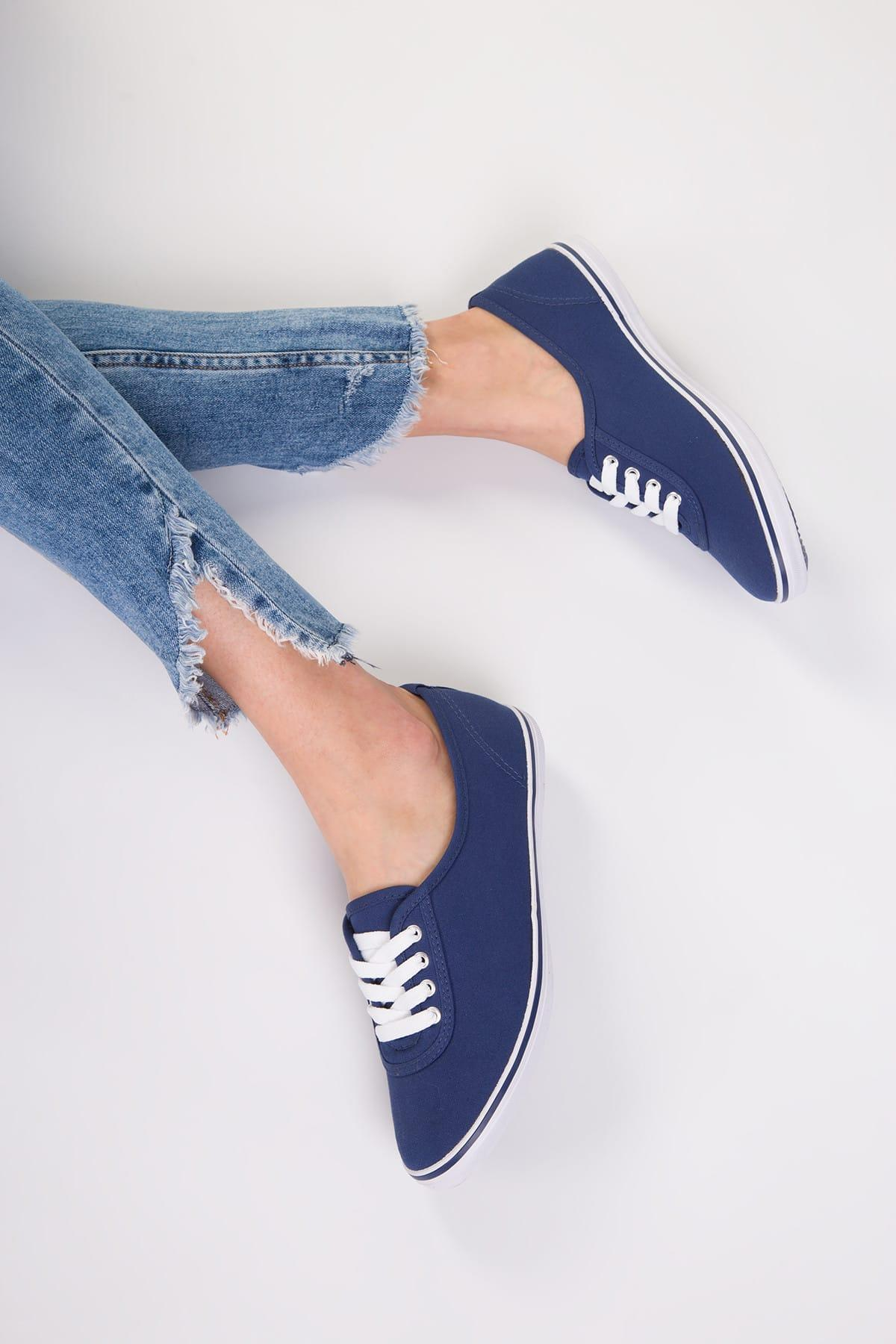 Women Casual Shoes Lace up