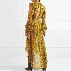 TWOTWINSTYLE Leopard Weibliche Kleider Für Frauen Off Schulter Flare Hülse Asymmetrischem Saum Backless Rüschen Kleid Vintage Kleidung