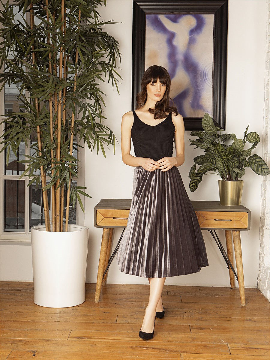 Pleated skirt C.H.I.C female