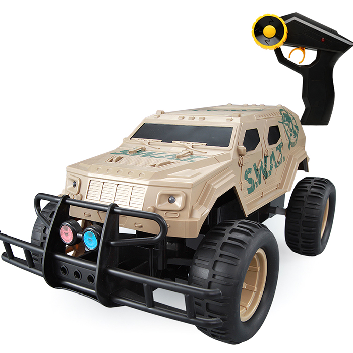 DOUBLEE E320 - 003 Special Police Large Wheel Off-Road 2.4Ghz Remote Control Wear-Resistant Tire Remote Control CarsDOUBLEE E320 - 003 Special Police Large Wheel Off-Road 2.4Ghz Remote Control Wear-Resistant Tire Remote Control Cars