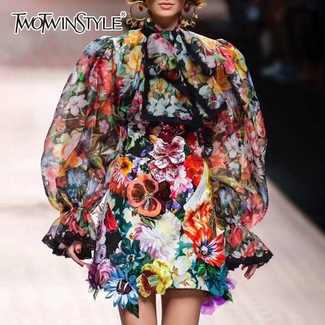 TWOTWINSTYLE 여성 셔츠 블라우스 Bowknot 플레어 긴 소매 패치 워크 레이스 인쇄 탑 여성 우아한 패션 2020 봄 새로운