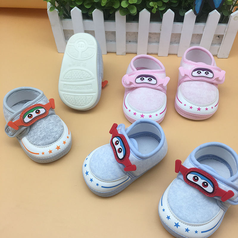 Новые весенние и осенние тонкие туфли быть в списке Aing красивый бренд детские бычьи сухожилия Нижняя детская обувь исследование прогулочна
