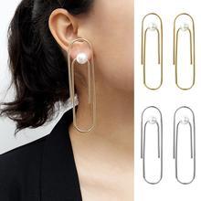 купить Jewellery Paper Clip Shape Statement Geometric Earrings Simple Faux Pearl Ear Stud Women Earring Jewelry Gift Ornaments Earring по цене 109.55 рублей