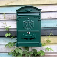 Lockable Secure Mail Letter Post Box Vintage Metal Mail Box Garden Ornament Retro wall mounted Mailbox CW238