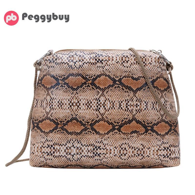 26aedd0f60d3 Новые модные маленькие сумки через плечо со змеиным узором для женщин из  искусственной кожи, повседневные квадратные сумки на плечо Bolsa .