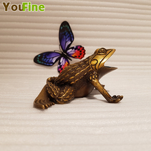 Vintage Chinese style bronze brass frog sculpture indoor desktop crafts ornaments