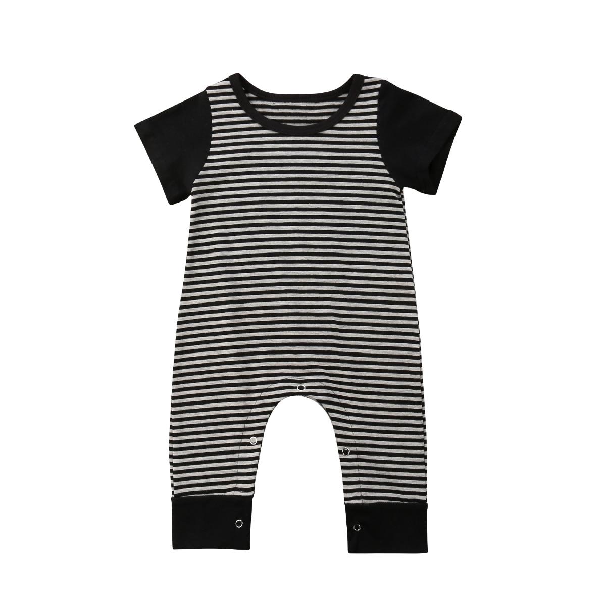 3d38178504 Verano cortos para mujer Sexy Mini pantalones cortos de la mujer remache  agujeros Jeans cintura baja