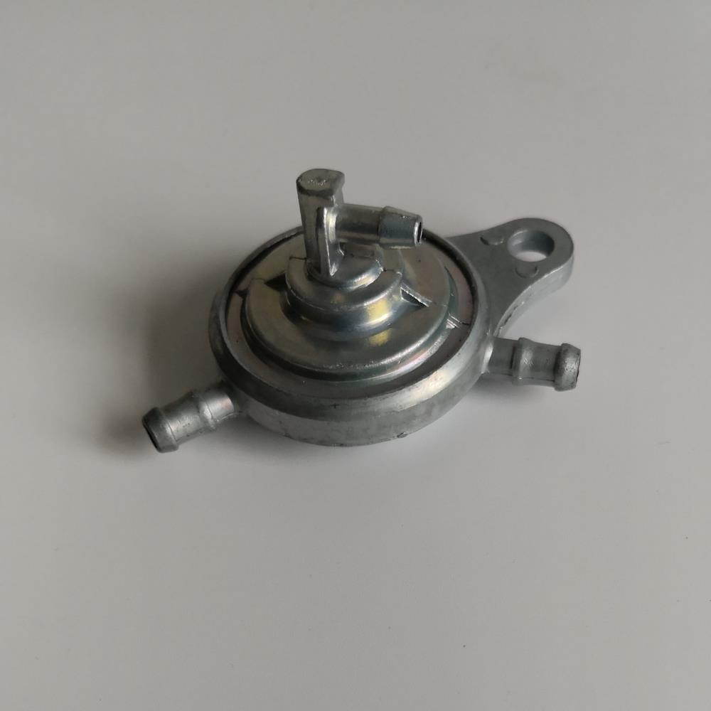 US $2 7 |3 way inline Vacuum Fuel Petcock / Fuel Valve / Fuel Cock / for  Chinese GY6 50 125 150 cc Scooter Moped ATV Sunl Roketa Taotao-in Pumps  from