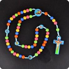 100x nowe różańce Cartoon wisiorek z ukrzyżowanym jezusem naszyjnik dzieci dziecko dziewczyny katolicka moda biżuteria religijna