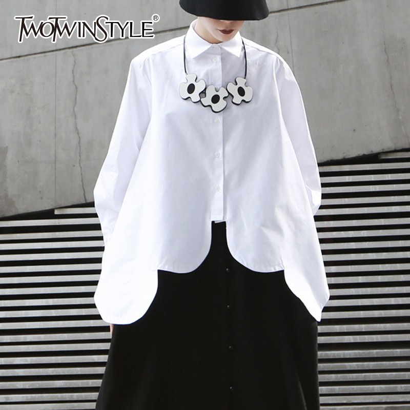 TWOTWINSTYLE biały nieregularne koszule bluzka kobiety Lapel kołnierz z długim rękawem asymetryczna Hem bluzki kobiet 2019 Streetwear moda w Bluzki i koszule od Odzież damska na AliExpress - 11.11_Double 11Singles' Day 1