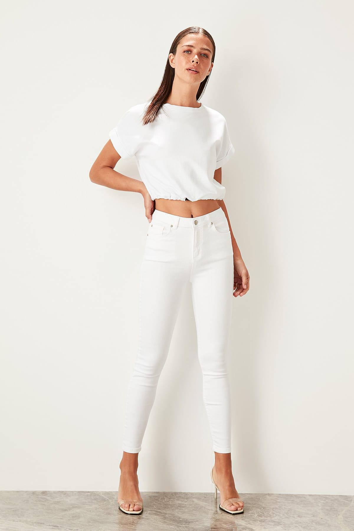 Trendyol White High Waist Skinny Jeans TWOSS19LR0258