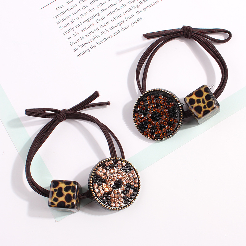 Fashion Rubber Bands For Lady Acrylic Stones Paved Disc Beading Charms Elastic Hair Band Hair Rope For Women Leopard Print Style