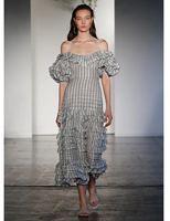 Окрашенные Сердце Складки платье с открытыми плечами, голубого, серого цвета в полоску с оборками длины миди летняя блузка на бретелях плат