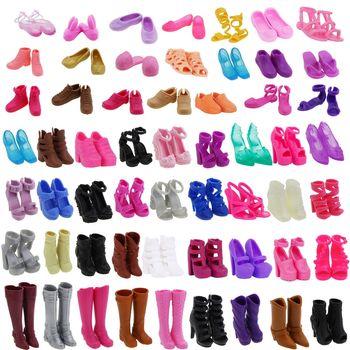Al azar 20 pares de la señora de alta calidad botas de planos de moda Zapatos Sandalias de tacón alto cena Ropa Accesorios zapatos para muñeca Barbie