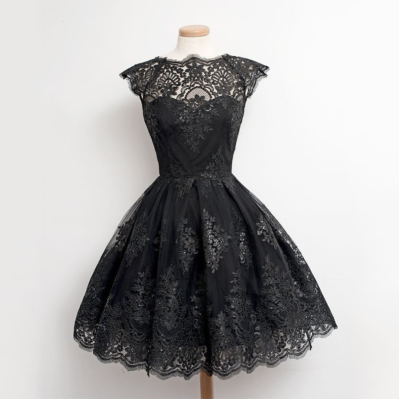 New Lace Homecoming Dresses Black Sleeveless A line Cheap Lace Short Party Dresses Women's Fashion 2018 Vestidos De Graduacion