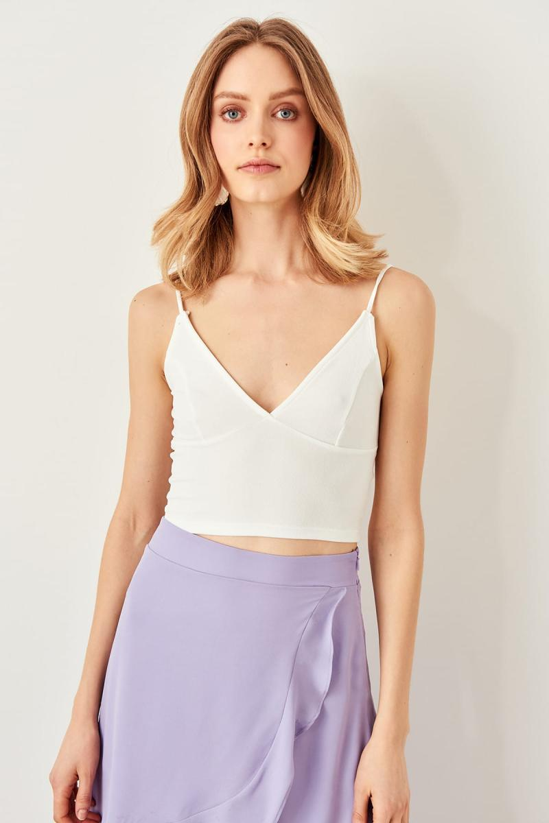 Trendyol White Askılı Crop Knitted Blouse TWOSS19BX0099