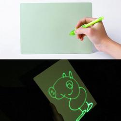 PVC A4 Desenhar com Luz na Escuridão das Crianças Brinquedos Apoiador Prancheta Luminosa