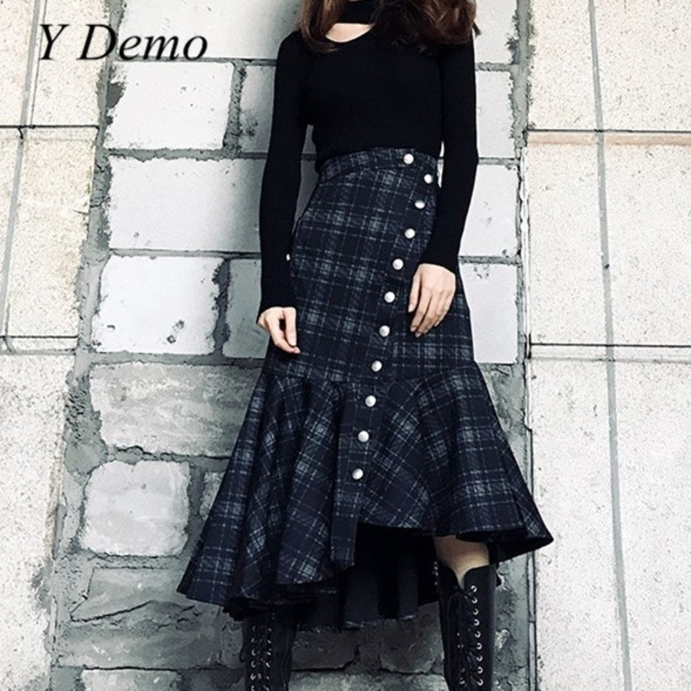 Punk Stylish Metal Buttons Decoration Asymmetry Design Long Fish Tail Skirt Woman Vintage Plaid Patchwork Pleated Skirts
