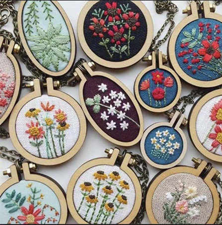 Wooden Mini Embroidery Hoop Black Chain and Matel Ring Frame Small Hand Stitching Hoop Cross Framing Hoop Wood Earring