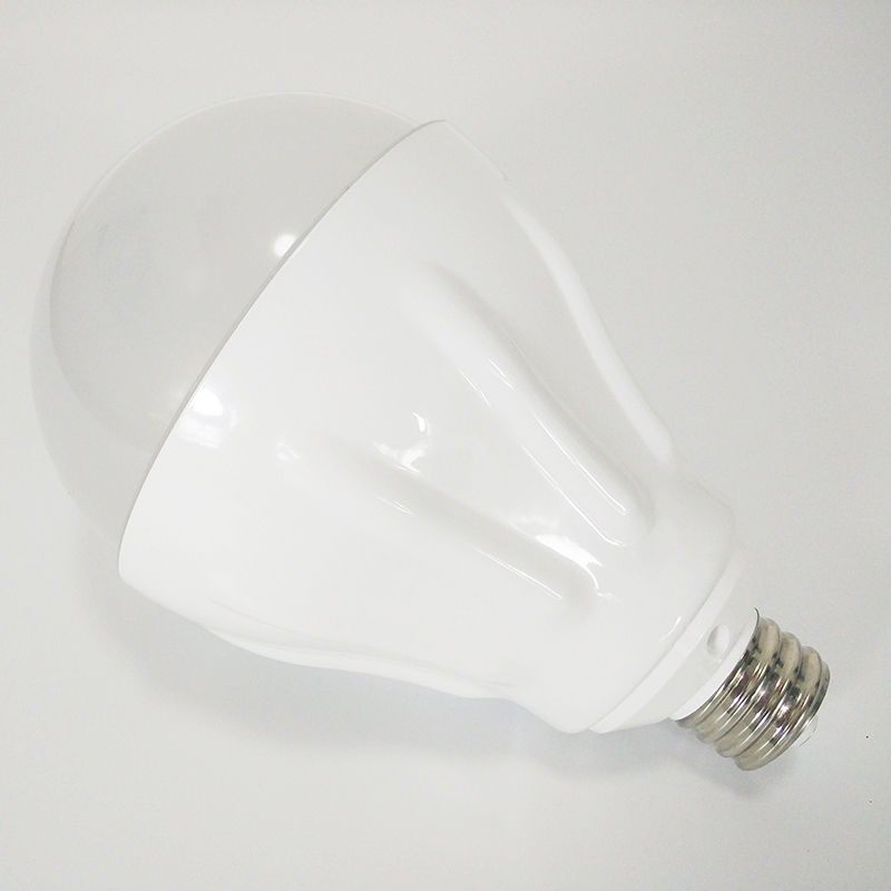 La puissance élevée a mené l'ampoule pour la maison 50 W 220 V E27/E40 allume la base avec la lampe économiseuse d'énergie lumineuse superbe de longue durée de radiateur en céramique