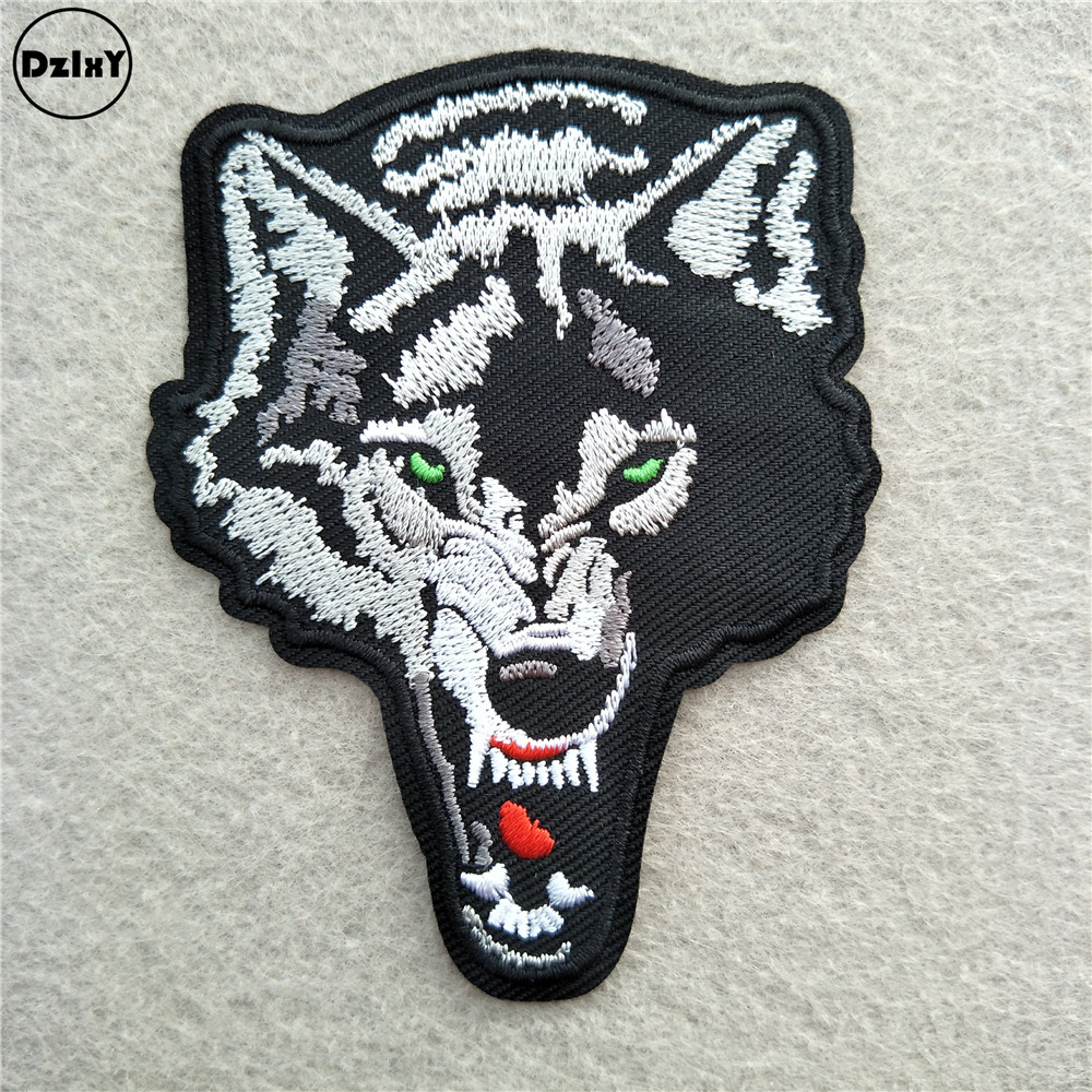 Running Wolf Wild Animal Wolf Crafts Embroidered Iron On Patch