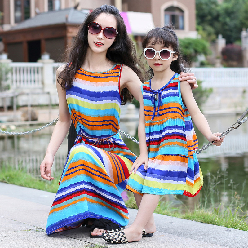 Bohemian Women Dresses for Mother Daughter Floral Little Girls Dresses Family Matching Dress Fashion Mom and Me Toddler Dress in Matching Family Outfits from Mother Kids