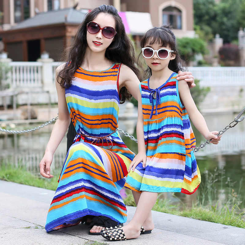 b0f87994ba8c Bohemian Women Dresses for Mother Daughter Floral Little Girls Dresses  Family Matching Dress Fashion Mom and