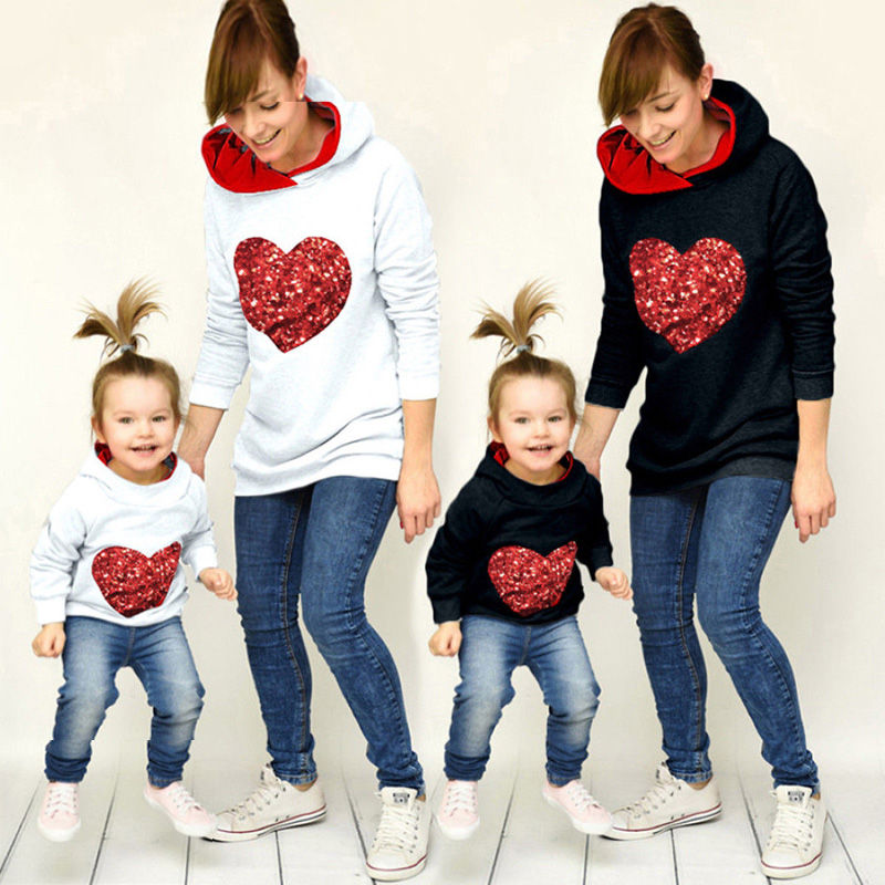 Emmababy Fashion Mother Daughter Clothing Leisure Women Girl Top Heart Shape Family Matching Long Sleeve Plaid Hoodies Outfits