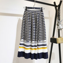 3f65ce428 LANMREM de Primavera de 2019 nueva moda blanco y negro de punto de Color de  contraste falda de cintura alta