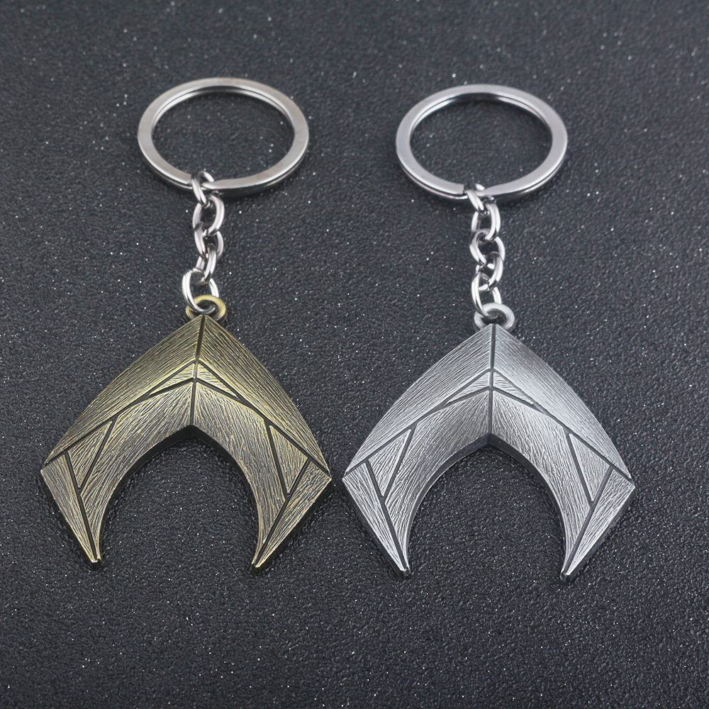 Movie Justice League Aquaman Logo Key Chain Metal Aquaman Accessories Cosplay Arthur Curry Prop Halloween Party