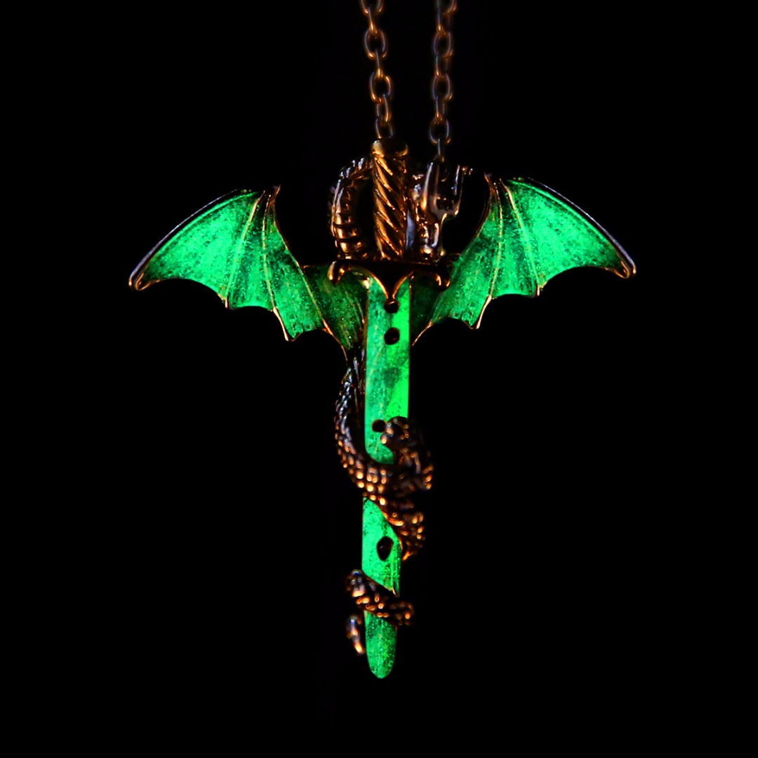 Vintage Glow in the Dark Chain Necklaces Shellhard Luminous Sword Dragon Pendant Necklace For Mens Punk Jewelry