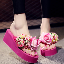 Summer Fashion Wedge with Cute Sandals and Slippers Women's Non-slip High-heeled Flowers Flip-flops Women Shoes stylish women s sandals with flowers and black colour design