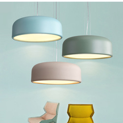 Nowoczesne proste restauracja żyrandol salon sypialnia badania oświetlenie sufitowe Macaron Bar akrylowe kolor czarny niebieski zielony w Żyrandole od Lampy i oświetlenie na