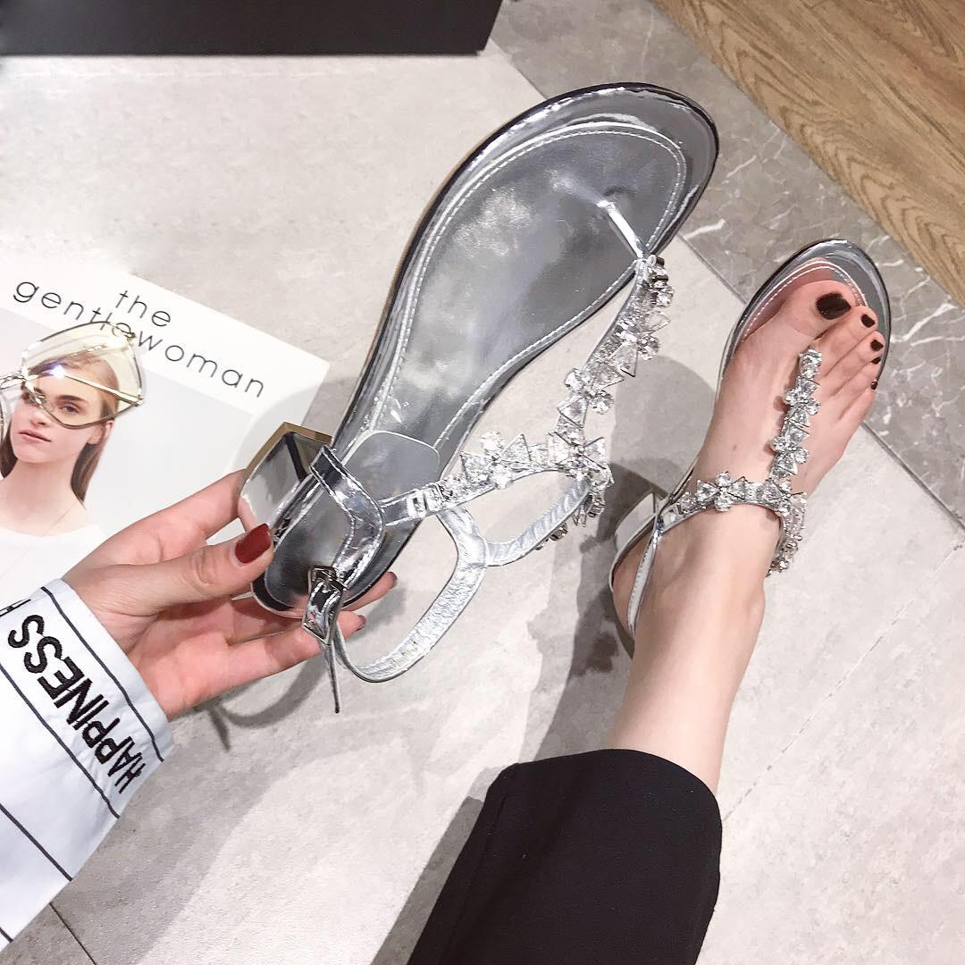 Paillettes strass bijoux en métal chaîne t-strap String orteil sandales en cuir verni talons Chunky pur gemme cristal Sandalias chaussures