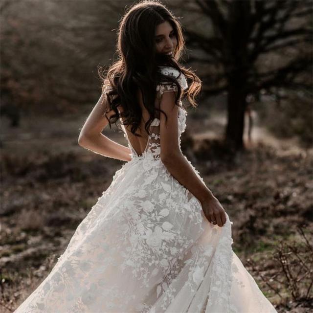 Sexy Bohemian Wedding Dress 2021 Short Sleeves Deep V Neck 3d Floral Appliques Bridal Gowns Backless Vestido De Noiva Lorie 2