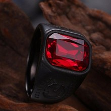 Мужское черное байкерское кольцо из нержавеющей стали с красным кристаллом