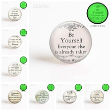 5pcs/set  Oscar Wilde Shakespeare Nietzsche Inspirational Fashion Quote Handmade Pendant 25mm Luminescent Glass Dome Jewelry
