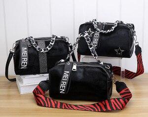 Image 4 - Женские кожаные сумки, новая сумка ведро из конского волоса с бриллиантами, меховая сумка на плечо с цепочкой, зимняя винтажная сумка мессенджер из Бостона