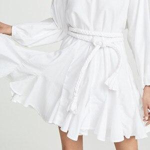 Image 4 - Twotwinstyle branco vestidos femininos o pescoço lanterna manga cintura alta bandagem mini vestidos plissados feminino 2020 moda casual