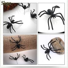 Hot Halloween Decoration 1Piece 3D Creepy Black Spider Ear Stud Earrings for Haloween Party DIY Decoration Home Decor